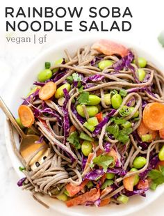 Healthy Soba Noodle Salad Youll love this healthy Soba Noodle Salad recipe! Such an easy cold recipe loaded rainbow vegetables and tossed in a creamy almond butter & sesame dressing! Source by simplyquinoa Healthy Pastas, Healthy Salad Recipes, Vegetarian Recipes, Soba Noodle Recipe Healthy, Soba Salad, Noodle Salad, Quinoa Salad, Pasta Salad, Rainbow Salad