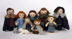 #Crochet Starks and Lannisters (including dire wolves) #GoT #gameofthrones
