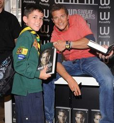Bear Grylls signing copies of Mud, Sweat and Tears at Waterstones Piccadilly  #beargrylls #scouts