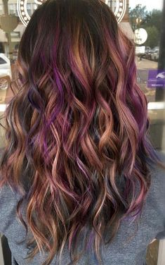 Peanut Butter And Jelly Hair Is The Ultimate Fall Trend You'll Need So Bad. Who would have thought that our favorite and delicious childhood treat w. Grey Balayage, Hair Color Balayage, Ombre Hair Color, Cool Hair Color, Colored Hair Streaks, Colored Hair Tips, Purple Streaks In Hair, Curly Purple Hair, Oil Slick Hair Color