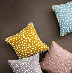 Coussin Dots - Curry Ferm Living http://www.amazon.fr/dp/B00G2B0Q6E/ref=cm_sw_r_pi_dp_kXMfwb1ZK4KGC