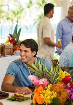 Planning on hosting a Bahamian-themed party? Invite the Caribbean into your home by reading our tips on how to host the perfect Caribbean party. Daddy Birthday, Summer Birthday, Birthday Parties, Caribbean Party, Paradise Island, Nassau, Party Invitations, Party Themes, Entertaining