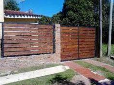 Oportunidad!. Portones de Hierro Y Madera Conbinados Wooden Gates, Barbacoa, Ideas Para, Deck, Yard, Outdoor Structures, Patio, Architecture, Outdoor Decor