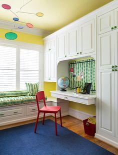 Детские шкафы для одежды: хитрости дизайна и полезные лайфхаки по организации вещей http://happymodern.ru/detskie-shkafy-dlya-odezhdy-45-foto-kakimi-oni-dolzhny-byt/ Detskie_shkafy_48