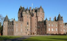 Glamis Castle in Angus. With its soaring turrets, atmospheric rooms, and remarkable gardens provide the perfect location for your wedding day. Scary Places, Haunted Places, Abandoned Places, Haunted Castles, Scotland Castles, Scottish Castles, Monumental Architecture, Visit Britain, Castles In England