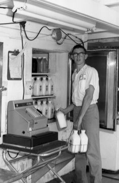 Tommy Miller selling milk at Willis Dairy on Centerville Road in Tallahassee Old Florida, Vintage Florida, New Pontiac Gto, Cracker House, New Ford Mustang, World Heavyweight Championship, Vintage Prints, American History, Old School