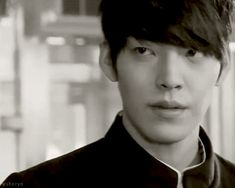 http://www.dramafever.com/es/news/11-things-you-probably-didnt-know-about-twentys-kim-woo-bin/