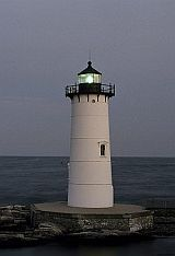 Things to Do: Attractions - Portsmouth NH, Kittery ME, Seacoast NH.