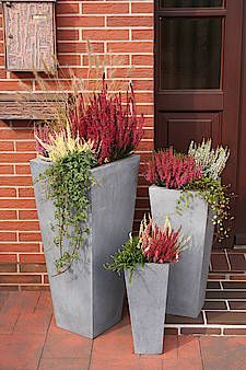Our current outside patios can essentially use lots of huge planter pots outside, but they can add occurring to thousands of dollars thus quickly! im Freien How To Build Your Own Tall Outdoor Planter Boxes - Bower Power Flower Planters, Garden Planters, Planter Pots, Square Planters, Tall Planter Boxes, Cement Flower Pots, Large Flower Pots, Planter Ideas, Garden Types
