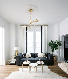 6 Small Living Room Design Tips and Ideas - Des Home Design Home Living, Rugs In Living Room, Living Room Interior, Living Room Decor, Dark Sofa Living Room, Small Living, Home Design, Home Interior Design, Salon Design