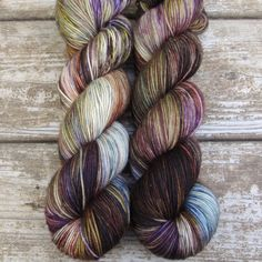 Wrap yourself in the shadowy colors of twilight. Dusk is a refined violet with a neutral undertone. Yummy Great for sweaters, baby items, and shawls that you want to be just a bit heavier than f Knitting Yarn, Free Knitting, Knitting Patterns, Yarn Thread, Yarn Stash, Knitting Projects, Crochet Projects, Yarn Inspiration, Textiles