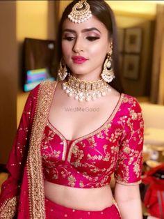 Gold plated Wedding Combo Ladies Fashion Jewelry Full Bridal Set in Red Sari Design, Sari Blouse Designs, Fancy Blouse Designs, Bridal Blouse Designs, Blauz Design, Door Design, Indian Bridal Outfits, Indian Bridal Fashion, Bridal Dresses