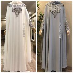 Photo by Yasemin Deşat on September Abaya Designs Latest, Abaya Designs Dubai, Niqab Fashion, Muslim Fashion, Fashion Outfits, Habits Musulmans, Hijab Style Dress, Hijab Chic, Abaya Mode