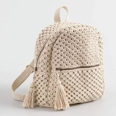 An eye-catching and useful accessory, our exclusive macramé backpack is an effo. - An eye-catching and useful accessory, our exclusive macramé backpack is an effortless way to hold - Crochet Backpack Pattern, Free Crochet Bag, Tote Pattern, Crochet Bags, Crochet Granny, Knit Crochet, Crochet Handbags, Crochet Purses, Crochet Designs