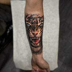 Perfect realistic tattoo of Tiger head motive done by tattoo artist by Daniel Bedoya - Tattoo Portal Tiger Head Tattoo, Head Tattoos, Badass Tattoos, Sleeve Tattoos, Cool Tattoos, Cool Small Tattoos, Large Tattoos, Animal Tattoos For Men, Tattoos For Guys