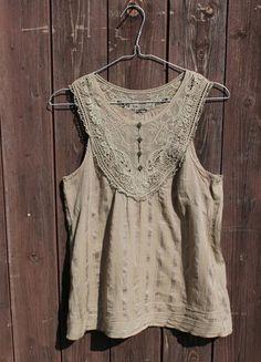 Kup mój przedmiot na #vintedpl http://www.vinted.pl/damska-odziez/koszulki-na-ramiaczkach-koszulki-bez-rekawow/13769404-koszulka-na-ramiaczkach-bez-rekawow-koronka