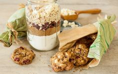 A jar of delicious cookie mix makes a great homemade gift, and these festive oatmeal cookies are particularly easy to mix up. Be sure to use old-fashioned (not quick-cooking) oats in this recipe for best texture.