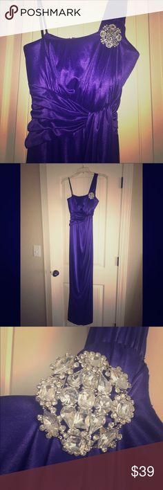 🍾💃Purple Prom Dress Beautiful purple long prom dress or evening dress. Built in bra  Tags: purple long dress fancy evening nightlife party cocktail dress one strap City Triangles Dresses Prom