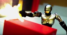It's a Pop Culture Toy Robot Deathmatch in This Awesome Stop Motion Video - http://www.entertainmentbuddha.com/its-a-pop-culture-toy-robot-deathmatch-in-this-awesome-stop-motion-video/