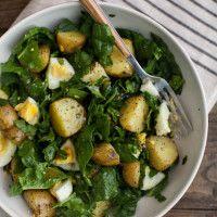 Garlic Roasted Potato, Spinach, and Egg Salad/ Naturally Ella Veggie Recipes, Vegetarian Recipes, Cooking Recipes, Healthy Recipes, Spinach And Potato Recipes, Spinach Salad Recipes, Pasta Recipes, Clean Eating, Healthy Eating