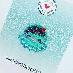 Je le trouve bien mignon en bleu aussi ce petit poulpe! #brickstitch #tissagedeperles #miyukibeads #lesbijouxacidules #motiflba #jenfiledesperlesetjassume #octopus #kawaii #japanexpo