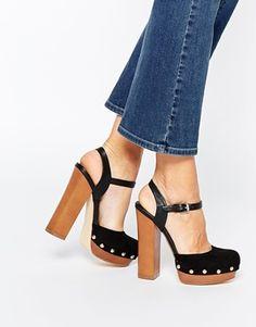 Sandalias negras con plataforma de madera Giddy de Miss KG