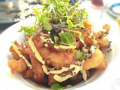Calamares en tempura con allioli de yuzu. Una delicia en Capricho número 8, en Xeraco Playa junto a Gandía. Yummy!