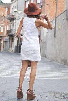 little white shift dress with summer wedges