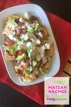 Vegan Matzah Nachos Recipe To Enjoy During Passover - VeegMama Appetizer Recipes, Snack Recipes, Appetizers, Healthy Recipes, Jewish Recipes, Mexican Food Recipes, Ethnic Recipes, Passover And Easter, Jewish Food
