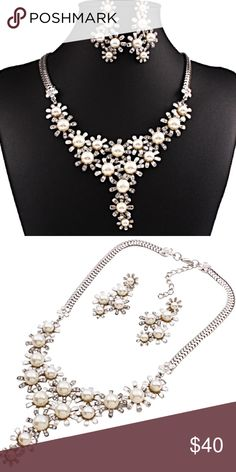 Pearl Rhinestone Necklace and Earrings Set Beautiful and new! Jewelry Necklaces