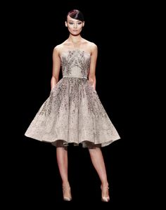 Creación Plata -  Vestido corto de fiesta, tonos grises con piedras plateadas