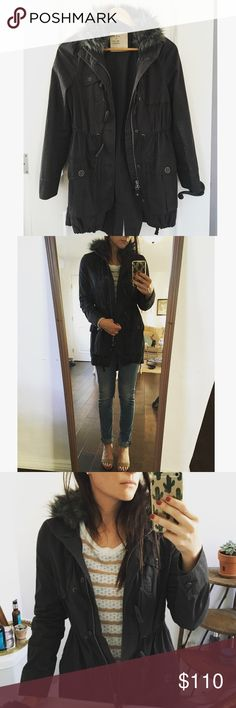 Free People Lightweight Parka with Faux Fur Trim Darling parka from free people! Very lightweight, great for fall. Fur trim around the neck, adjustable waist tie and tie at bottom. Zips and buttons up. Worn one time. Free People Jackets & Coats Utility Jackets