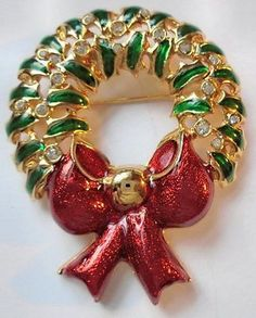 Christmas Wreath Enamel Bow Rhinestone Holly Berries Vintage Brooch Pin Holiday