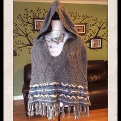 LISTING ❄️Grey HOLLISTER Wool Poncho Very warm hooded poncho with colors of white, dark blue, and light blue at the bottom. No pockets, covers over the arms. Black Poncho, Poncho Coat, Cashmere Poncho, Hooded Poncho, Poncho Sweater, Kids Poncho, Ladies Poncho, Women's Ponchos & Wraps, Knitted Capelet