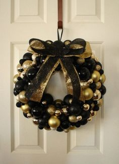 awesome-black-and-gold-christmas-decoration-ideas