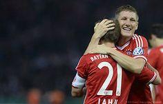 Philipp Lahm e Bastian Schweinsteiger Bayern de Munique - campeão da Copa da Alemanha 2013.
