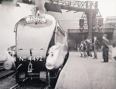 4492 Dominion of New Zealand - 1937 days in service! Steam Trains Uk, Flying Scotsman, Steam Railway, British Rail, Steam Engine, Steam Locomotive, Vintage Travel Posters, New Zealand, Transportation