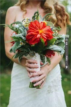 wildflower wedding bouquet | VIA #WEDDINGPINS.NET