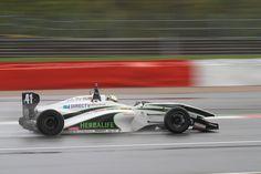Brands Hatch, nuevo reto para Borrelli