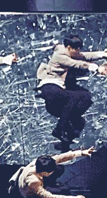 EXO Lay : Zhang Yixing (gif) - omg that hip thrust! *_*