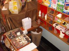 Winkel 3 Lovers, School, Convenience Store, Schools