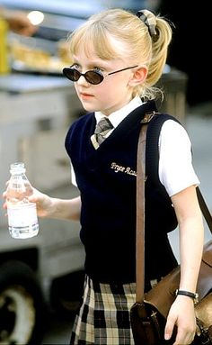 Net Image: Dakota Fanning in MGM's Uptown Girls - Dakota Fanning in MGM's Uptown Girls - 2003 Photo ID: . Picture of Uptown Girls - Latest Uptown Girls Photo. Ellie Fanning, Fanning Sisters, Dakota And Elle Fanning, Uptown Girls Movie, Private School Girl, Girl Ray, Child Actors, Iconic Movies, Preppy Style