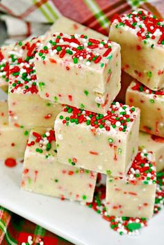 Easy-to-make, Sugar cookie Christmas fudge is a combo of two of my. - Easy-to-make, Sugar cookie Christmas fudge is a combo of two of my favorite treats: Christmas sugar cookies and fudge. Christmas Fudge, Christmas Sugar Cookies, Christmas Desserts, Christmas Treats, Christmas Baking, Holiday Treats, Merry Christmas, Simple Christmas, Christmas Recipes
