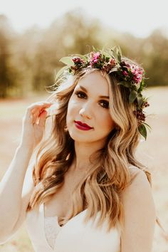 If the Black Barn at This Three Oaks Farm Wedding Doesn't Steal Your Heart, The Cute Newlywed Photos Will Dark makeup + red lips added to the moody feel of this bridal look Romantic Bridal Updos, Romantic Flowers, Red Lip Makeup, Dark Makeup, Bridal Makeup Red Lips, Makeup Art, Makeup Ideas, Bridal Looks, Bridal Style