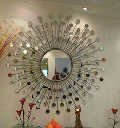 Art Decor, House Decor Modern, Mirror Wall Living Room, Mirror Design Wall, Mirror Wall Art, Mirror Decor Living Room, Art Deco Accessories, Bridal Suite Decor, Diy Christmas Yard Decorations