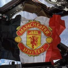 Man United to the moon. Club crest sent by a Russian fan and NASA astronaut. Top Of The World, Out Of This World, Football Love, Match Highlights, Live Matches, Nasa Astronauts, Go Red, Man United, Space Exploration