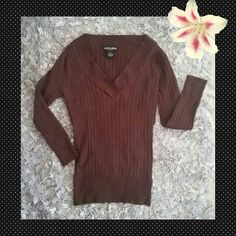Guess Top Form fitting, 3/4 length, brown Guess top. Perfect to wear during these Spring Showers! Guess Tops Tees - Long Sleeve