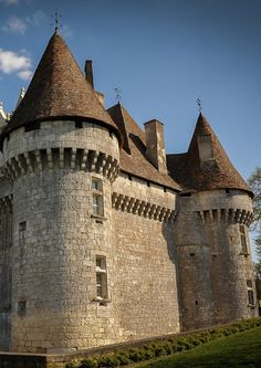 Aquitaine, Montbazillac Castle, France - castles relied on concentric defence