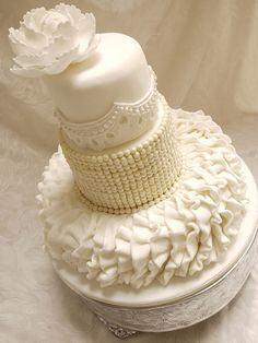 ❤ classy and elegant white cake.. pearls and lace.. oh my.