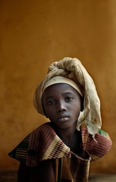 Ian Winstanley child portraits from Sierra Leone Beautiful portrait We Are The World, People Around The World, Beautiful Children, Beautiful People, African Culture, African Beauty, Interesting Faces, Black Is Beautiful, Belle Photo